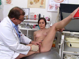 Cara (20 years damsels gyno exam)