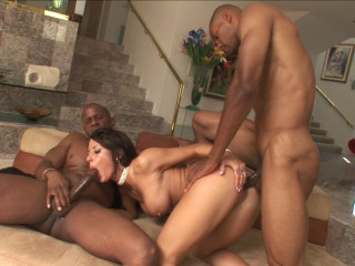 Mya Nichole plays with duo of BBCs