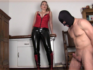 Domme T – Cum Smashed Out Of His Testicles