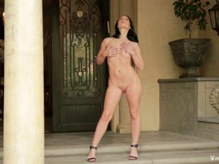 Kendra Cantara - In Front Door Disrobe
