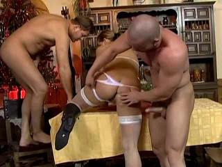 2 Männer auf 1 frau - Extraordinary Buttfuck Dehnung! (2007)