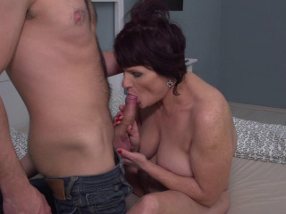 Freya - New mature female doing her toyboy FullHD 1080p