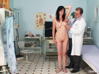 Venuse - 44 years woman gyno exam