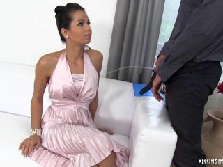 Ferrera Gomez - Interviewing Under Watersports