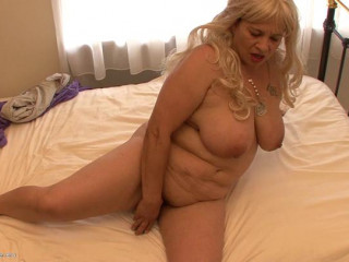 fat boob bootylicious hair blondie mature granny teasing herself in the sofa