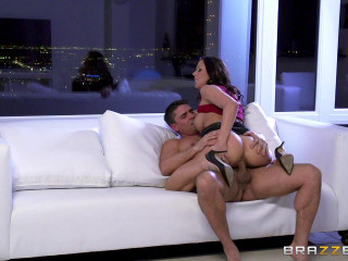 Red-hot Nurse Gets The Man rod Pumpin'