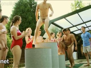 Les Garcons Dans La Piscine (Mixed Swimming II)