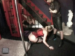 Slavegirl Fisted by Master Keith