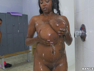 Large Ebony Tits Banged In The Shower (20.10.2016)