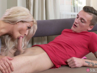 Nicole Vice - Mother plumbs twink caught draining (20160