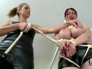 Vanessa & Carol - Don't Displease The Mistress