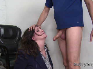 Mrs.Smith Gets a Facial cumshot