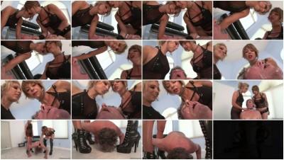 Brianna & Jaylinn Foxx - Her Luscious Spit