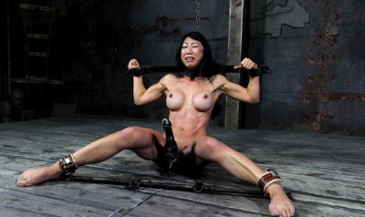 Hot anal hole of my Thai slave