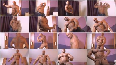 Big Ivan — Naked Muscle Flex