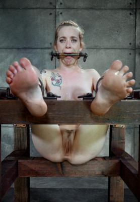 Slave feel pain and pleasure