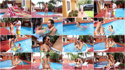 Carolina Sweets - Swimming In Semen FullHD 1080p