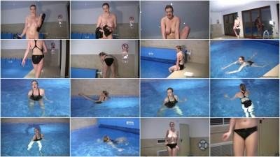 sapphire-dp swimming