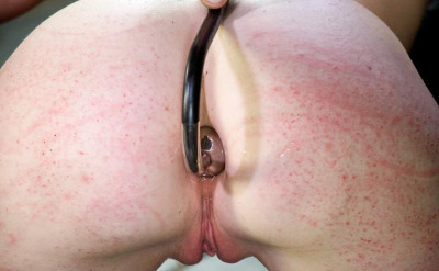 Delicious blonde for torture