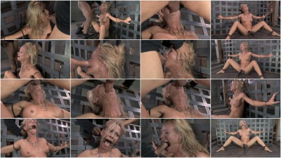 Stunning Simone Sonay punishing deepthroat while vibrated!
