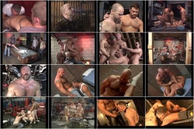watch muscle cast hunks (Massive Muscle Bears).