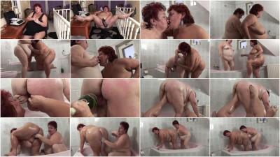 Mature lesbian whores in bathroom