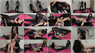Femdom and Strapon Sumiko Vs Lucy