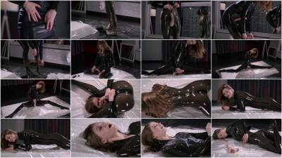 Femdom and Strapon Maria Pie - Latex Strapon Solo Until Cumshot (2016)