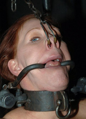 Experienced BDSM slave and rough anal