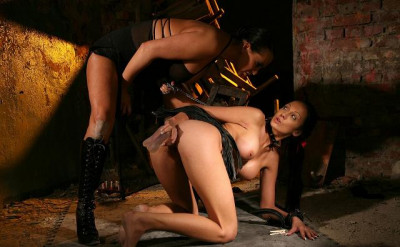 bdsm Sex slave Regina Moon-bizarre and brutal reality