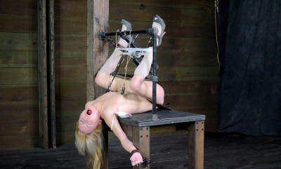 World class deep throating champion in bdsm action