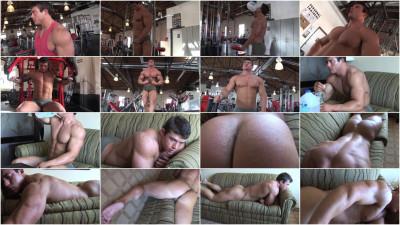 Pumping Muscle – Bodybuilder Richie T Photo shoot 3
