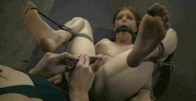 Tiny Feet-Penny Pax and Elise Graves