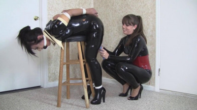 Vibrated Maid Gets Her Bonus