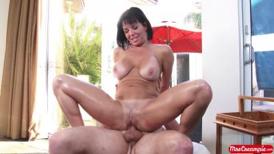 Veronica Avluv, Van Wylde - This Milfs Desperate For Cum FullHD 1080p