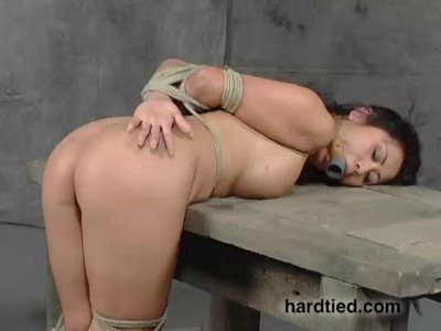 Kitty Langdon's new to bondage but wants to