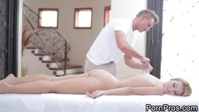 Jessie Blonde Hottie Massage HD