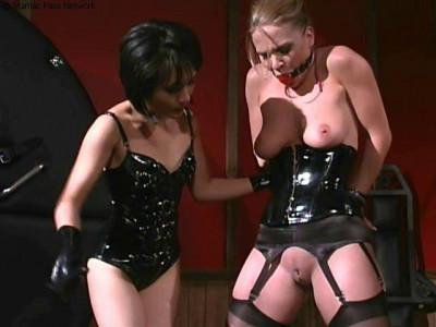 lesbian control 02