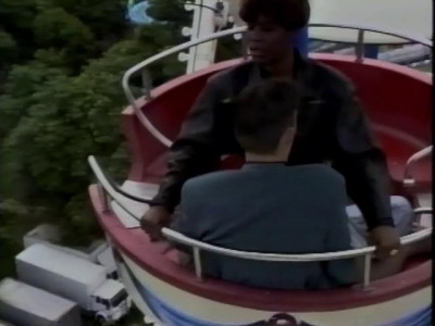 Sex on Ferris wheel