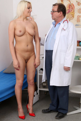 Sina (22 years girls gyno exam)