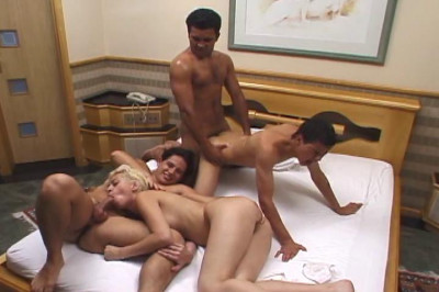 Bi Group Sex Club 4, scene 1