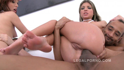 Hot horny sluts double penetrated DP piss clean up