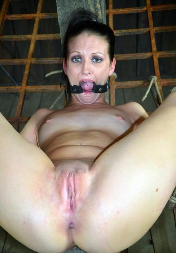 Royal Squirt in the BDSM