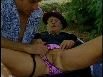 Mildred 67 y.o - Outdoor Granny Fuck