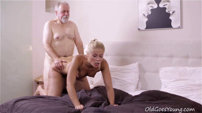 After getting her pussy licked it is only fair she suck on this old guys cock!
