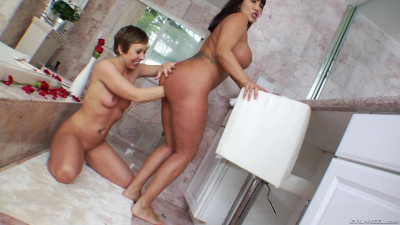 Ava Devine And Julie Knight