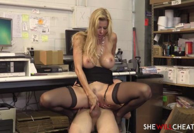 Alexis Fawx welcomes a new employee