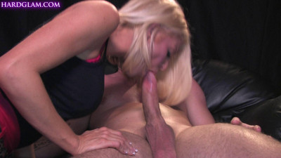 Gorgeous Tia Layne catches boyfriend wanking! 2