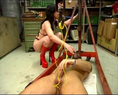 (Small Talk) Bizarre Torturen Scene 3