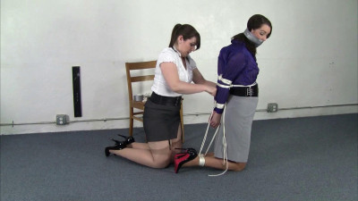 Belle Davis And Elizabeth Andrews  – Tightly Tied Belle Tries To Free Herself